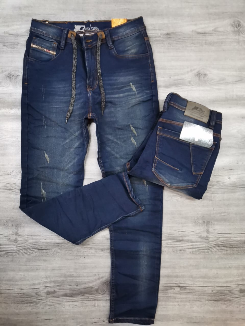 Jeans R